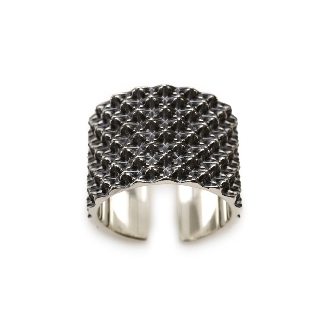 STUDS WIDE RING